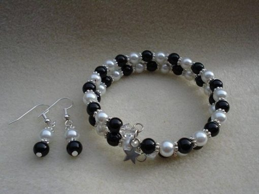 Black White Bracelet Set