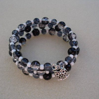 black crackle bead bracelet